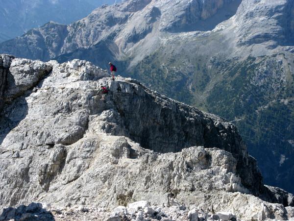 ausgesetzter Grat in den Dolomiten